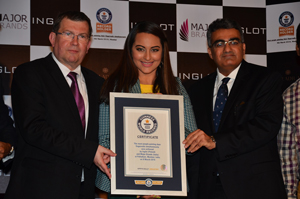 Dr. Zbigniew Inglot Chairman of the Board of Directors INGLOT Actress Sonakshi Sinha and Mr. Tushar Ved president of Major Brands India Pvt