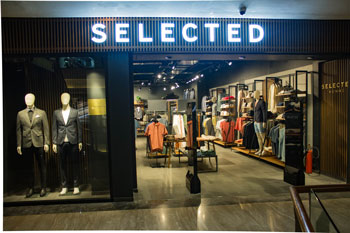 Selected Homme Store 3